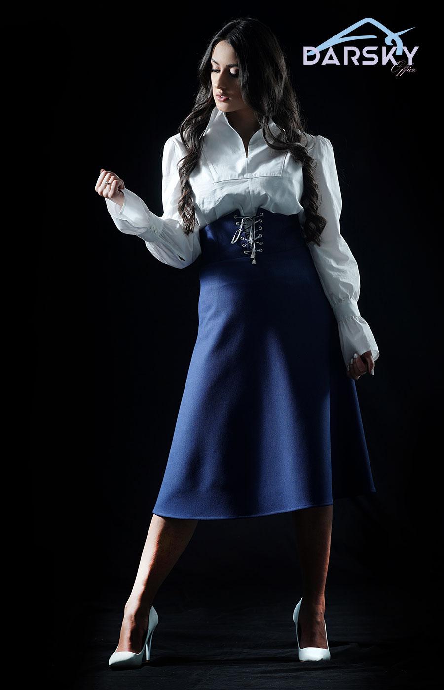 Model Salena